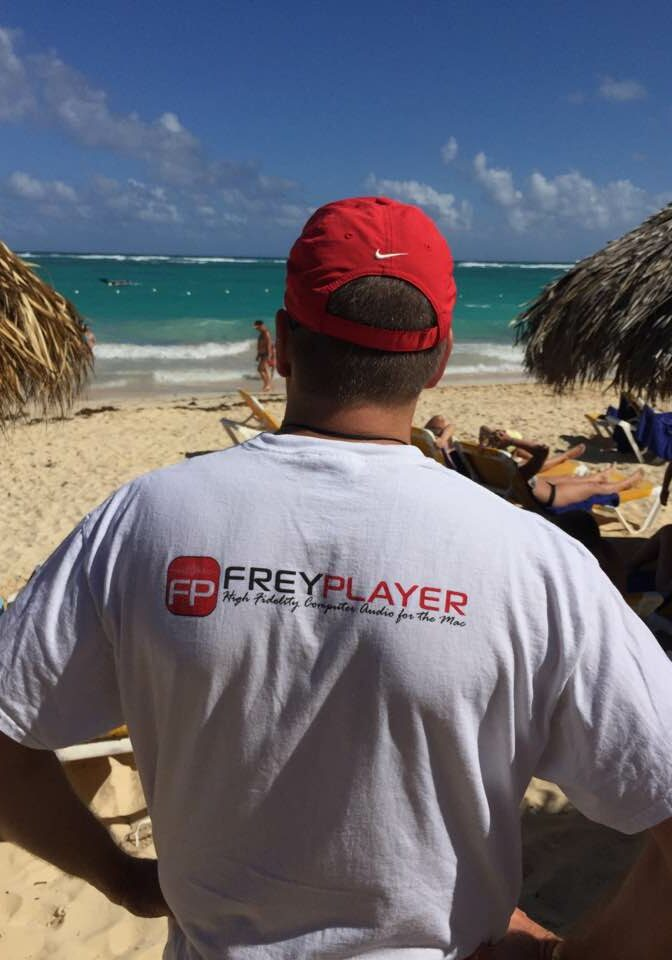 FreyPlayer on the Beach
